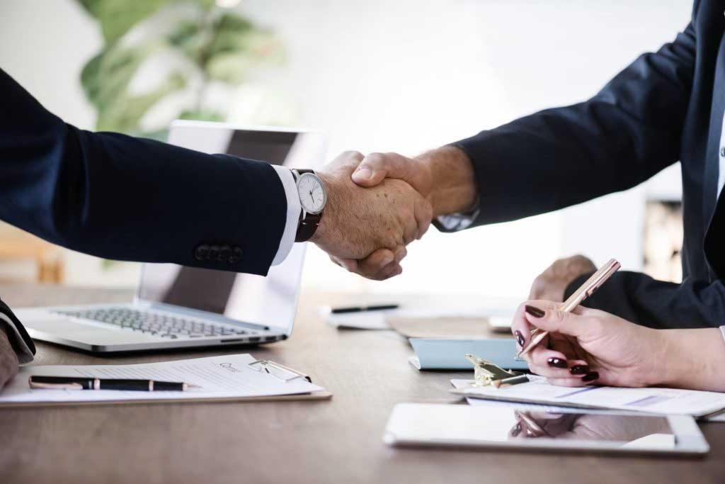 Sicuram Service, consulenti che si muovono per le imprese
